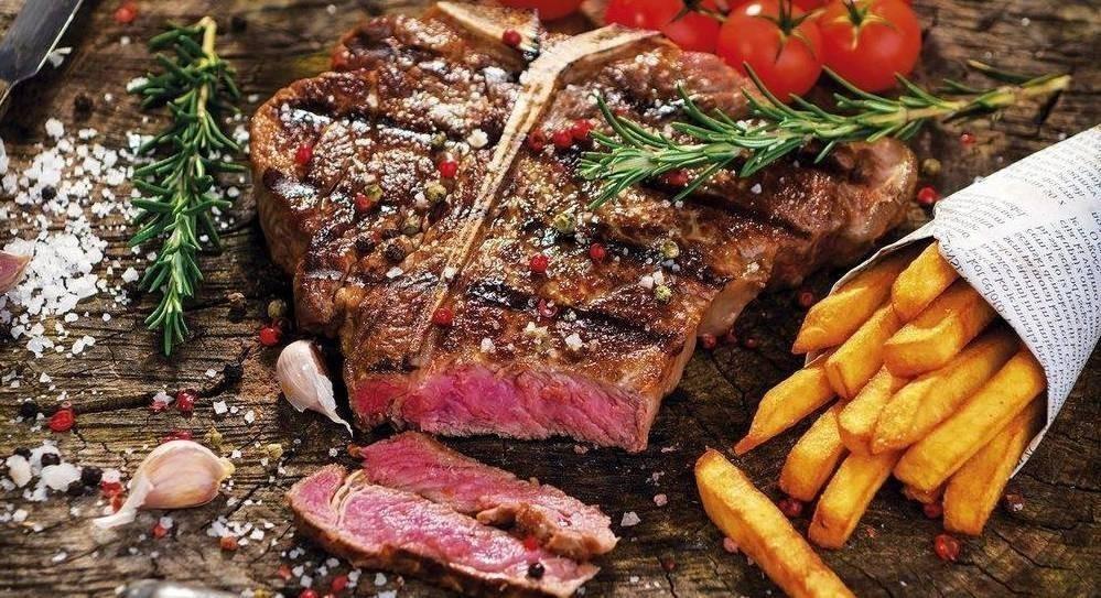 Bonerowska gourmet steak fish restaurant stare miasto for One fish two fish restaurant
